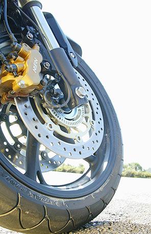 Freios s�o vitais para a seguran�a do motociclista