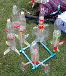 http://funscience.gistda.or.th/thaiwaterrocket/creative/2912.jpg