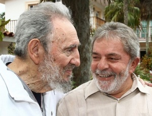 Lula, em viagem a Cuba, encontra-se com o ex-presidente Fidel Castro