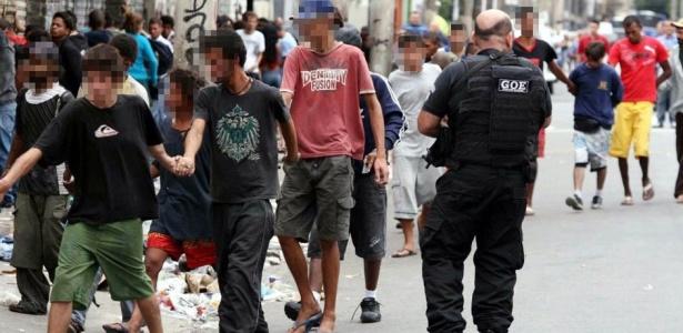 """Operação policial na cracolândia termina com """"fuga"""" em massa dos detidos"""