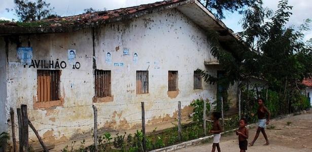 Presídio serve de abrigo improvisado em União dos Palmares (AL) desde 1988; veja mais fotos