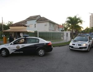 Goleiro Bruno, do Flamengo, é procurado pela polícia após ter prisão decretada em Minas e no Rio de Janeiro; entenda o que pode acontecer