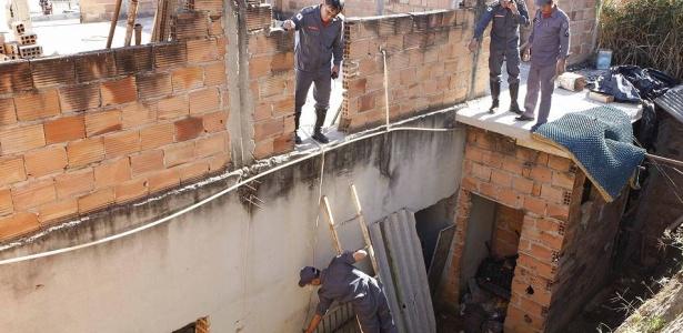 Polícia revista casa onde estaria o corpo de Eliza Samudio, ex-namorada do goleiro Bruno