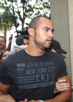 O goleiro Bruno em imagem feita no final de setembro, em Minas Gerais