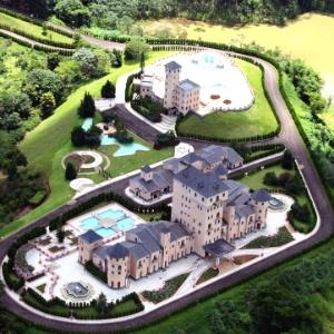 Vista aérea do Castelo Monalisa, em São João do Nepomuceno, interior de Minas Gerais, que pertencia a Edmar Moreira. Na década de 80, Moreira construiu o castelo, inspirado nas construções europeias