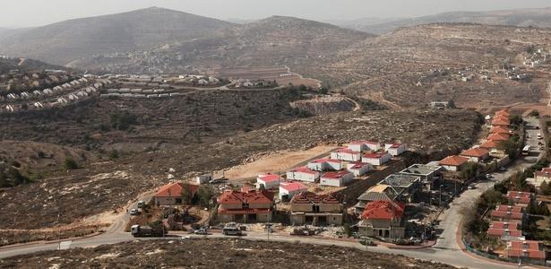 Nova construção em assentamento na Cisjordânia. Israel suspendeu o congelamento de construções na Cisjordânia e assim aumentaram as construções nas colônias. VEJA MAIS IMAGENS