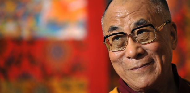O Dalai Lama anunciou nesta quinta-feira que deixará de ser o chefe político dos exilados tibetanos