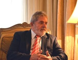 Luiz Inácio Lula da Silva durante entrevista em Doha