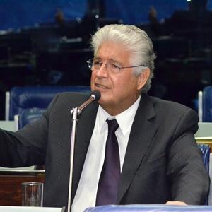 O senador Roberto Requião (PMDB-PR) no Senado