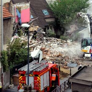 Desabamento de um prédio provocou a morte de três pessoas em Montreuil, na França