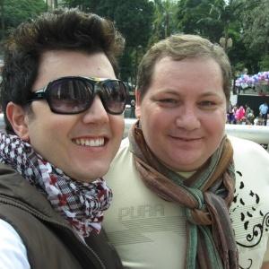 O comerciante Luiz André Rezende Moresi e o cabeleireiro José Sergio Sousa vão registrar o primeiro casamento civil gay do Brasil