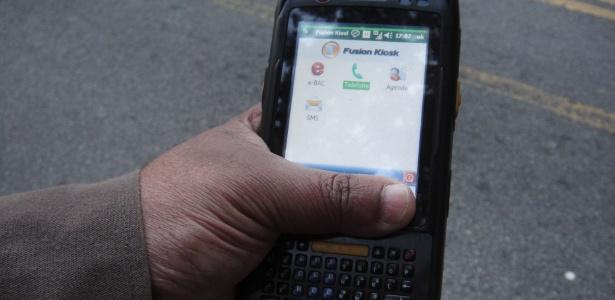 Ao preço de R$ 4.000 cada, novo dispositivo da CET pesa quase meio quilo --e não multa