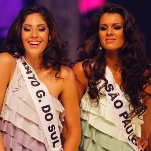 Misses dançam na apresentação de abertura do Miss Brasil