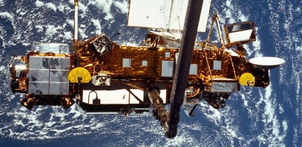 Foto da Nasa mostra satélite do tamanho de um ônibus que foi retirado de funcionamento em 2005 e pode cair na Terra nesta sexta-feira (23)