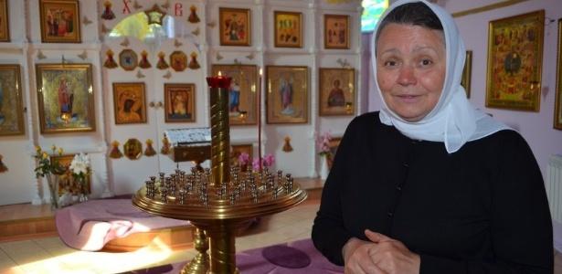 Svetlana Frolova, fundadora da seita e que agora se chama Mãe Fotina, acredita que Putin carrega o espírito do czar com ele. Todos os dias rezamos para ele retornar ao Kremilin, ela diz