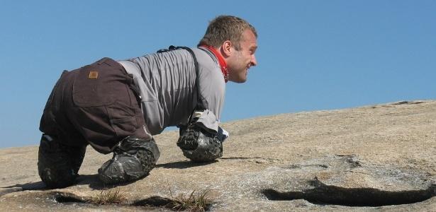 Americano sem mãos e pés se prepara para escalar Kilimanjaro