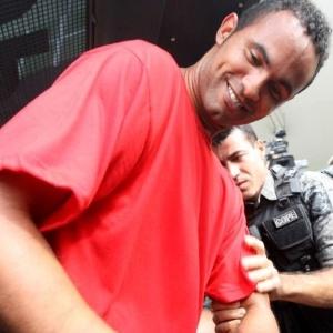 Preso em Contagem (MG), Bruno pode ganhar habeas corpus e voltar a treinar, diz advogado