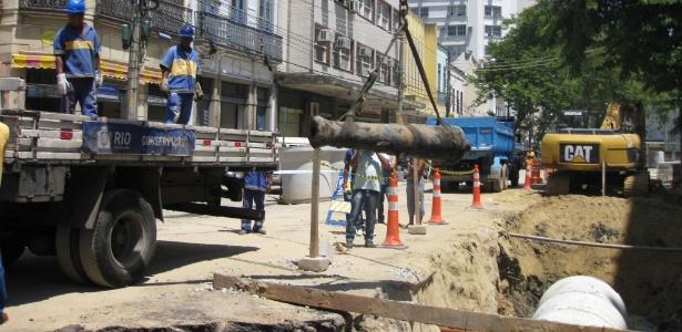 Canhão do século 17 é encontrado durante escavações para obras no Rio