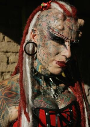 """Maria José Cristerna, mais conhecida como a """"Mulher Vampira"""""""