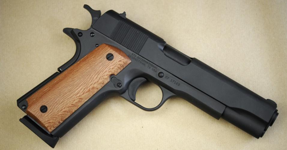 O mesmo tipo de arma de calibre 11,43 mm, como o modelo Colt 45, foi usado no ataque contra pais e alunos do colégio judaico Ozar Hatorá e em assassinatos de militares dias antes na mesma região