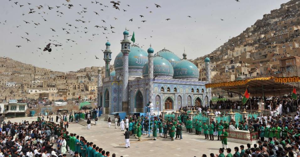 Afegãos celebram em Cabul o Noruz, o novo ano afegão, que é um dos grandes festivais do país e marca o equinócio de primavera