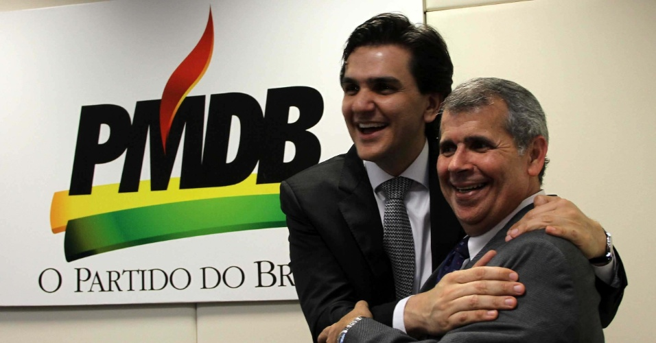 Deputado federal Gabriel Chalita (PMDB) ganhou refor&#231;o para sua candidatura nas elei&#231;&#245;es municipais de S&#227;o Paulo. O presidente do PTC (Partido Trabalhista Crist&#227;o), Daniel Tourinho (esq.), anunciou na tarde desta ter&#231;a-feira (20), durante encontro na sede da Presid&#234;ncia Nacional do PMDB em Bras&#237;lia, que a legenda estar&#225; engajada na campanha pela prefeitura de S&#227;o Paulo