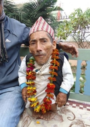 O nepal&#234;s Chandra Bahadur Dangi, de 72 anos, entrou para o livro dos recordes como o homem mais baixo do mundo de todos os tempos, com seus 55,8 cent&#237;metros do altura, informou uma fonte da organiza&#231;&#227;o no dia 26 de fevereiro