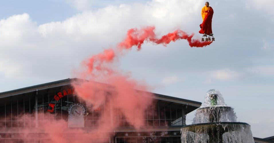 Suspenso por fios, o artista contemporâneo chinês Li Wei flutua sobre a Fontaine de Lyon, em La Villette, Paris
