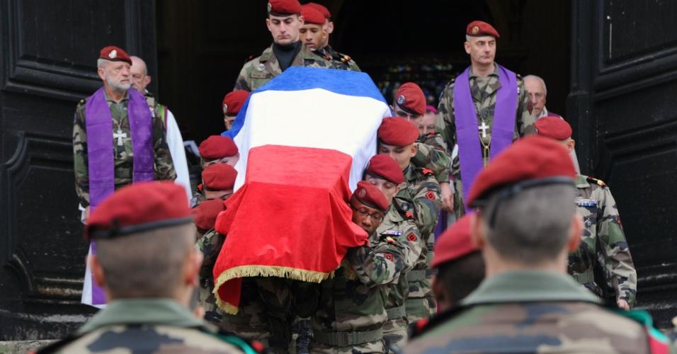 Funeral de soldado morto na França