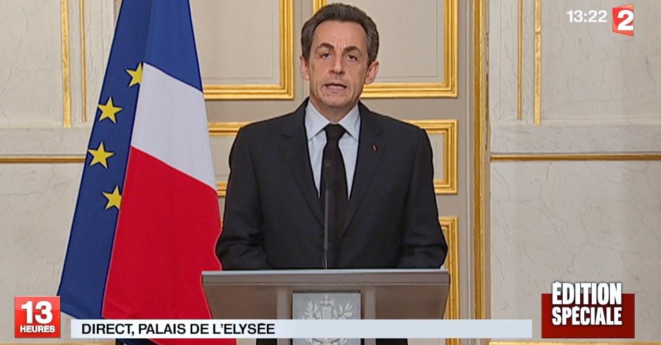 O presidente francês, Nicolas Sarkozy, faz pronunciamento oficial em TV da França sobre a morte do suposto atirador, Mohamed Merah, que teria matado três crianças e um rabino em escola de Toulouse, na França