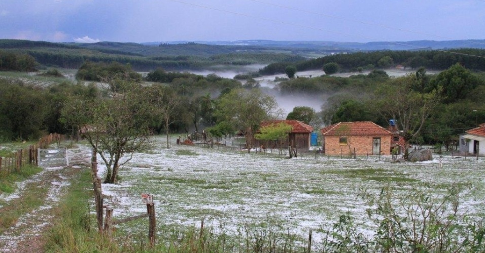 Granizo muda paisagem de Encruzilhada do Sul (RS)