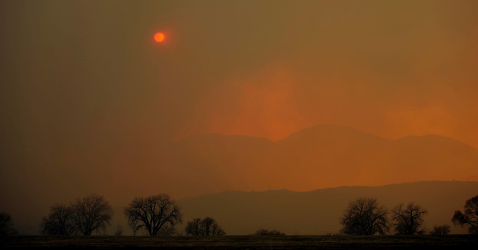Foto mostra fuma&#231;a de inc&#234;ndio no Colorado, nos Estados Unidos