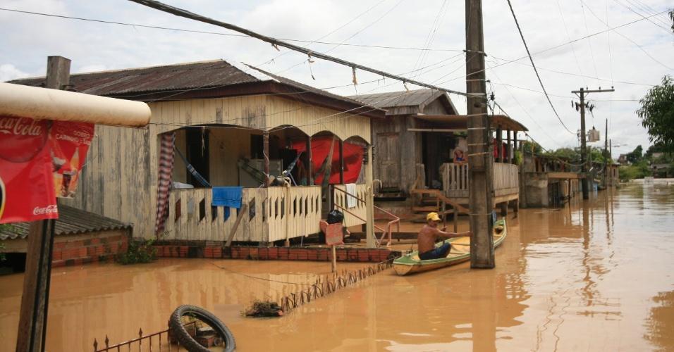 oi decretado estado de atenção na capital do Acre, Rio Branco, e em mais 34 municípios do Amazonas por causa da cheia dos rios Acre e Purus. A foto de rio Branco, divulgada hoje, foi tirada no domingo (24)