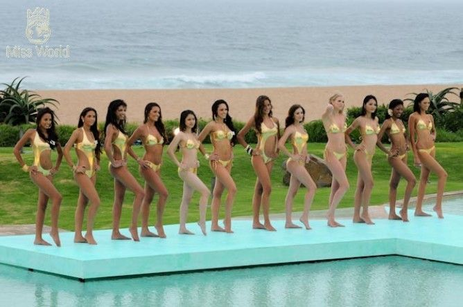 Nude beauty contest foto 1