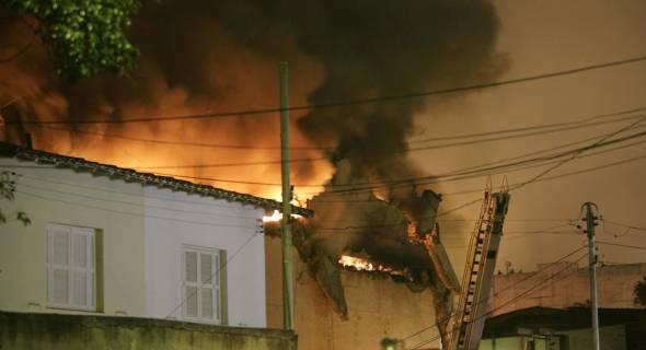 Casas atingidas perto do Aeroporto de Congonhas, zona sul de São Paulo