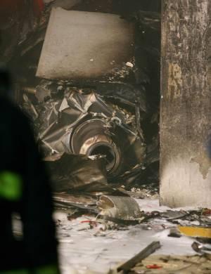 17.jul.2007 - Turbina do avião acidentado