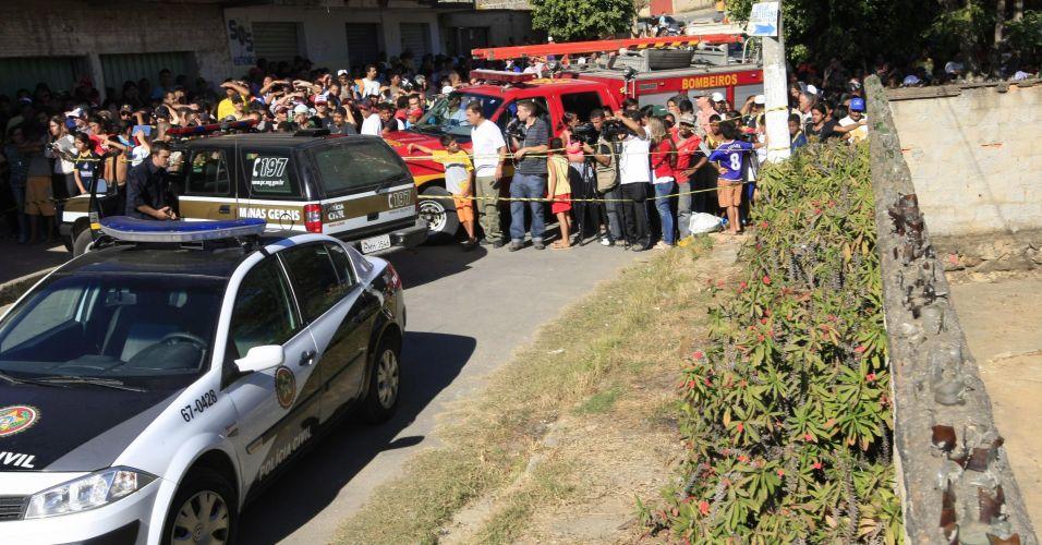 7.julho.2010 Polícia revista casa onde estaria o corpo de Eliza Samudio, ex-namorada do goleiro Bruno, do Flamengo. A casa fica na cidade de Vespasiano (região metropolitana de Belo Horizonte) e pertenceria a um ex-detetive