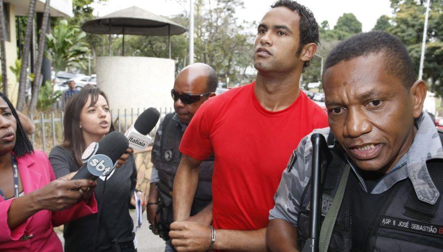 O goleiro Bruno Souza chegou por volta de 12h desta segunda-feira (19) ao Departamento de Investigações (DI), em Belo Horizonte (MG), para prestar depoimento sobre o desaparecimento de sua ex-namorada Eliza Samudio
