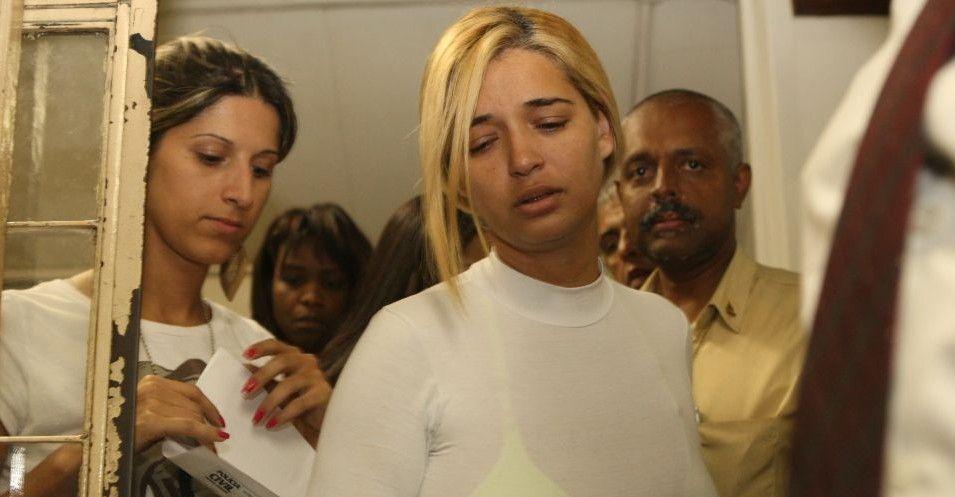 05.08.2010 - A polícia de Minas Gerais prendeu no final da tarde desta quinta-feira (5) a suposta amante do goleiro Bruno Souza, Fernanda Castro, única ré no caso do desaparecimento de Eliza Samudio que estava em liberdade