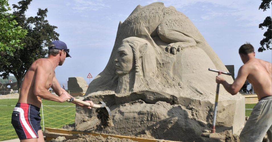 Campeonato de esculturas de areia