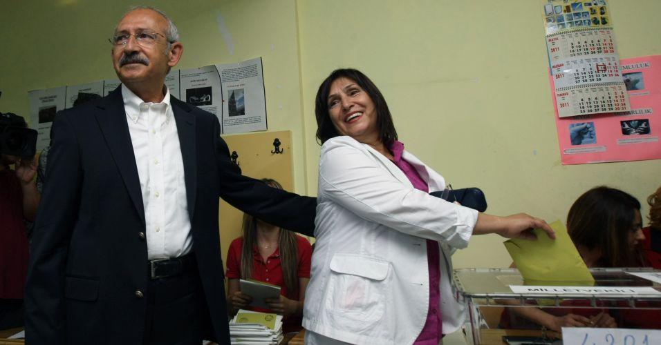 Esposa de Kilicdaroglu vota