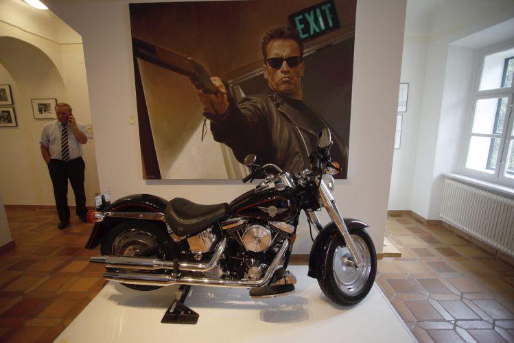 A moto que o ator Arnold Schwarzenegger utilizou no filme