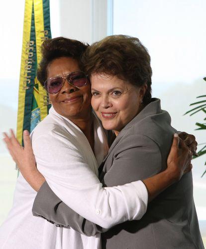 Dilma recebe cantora americana