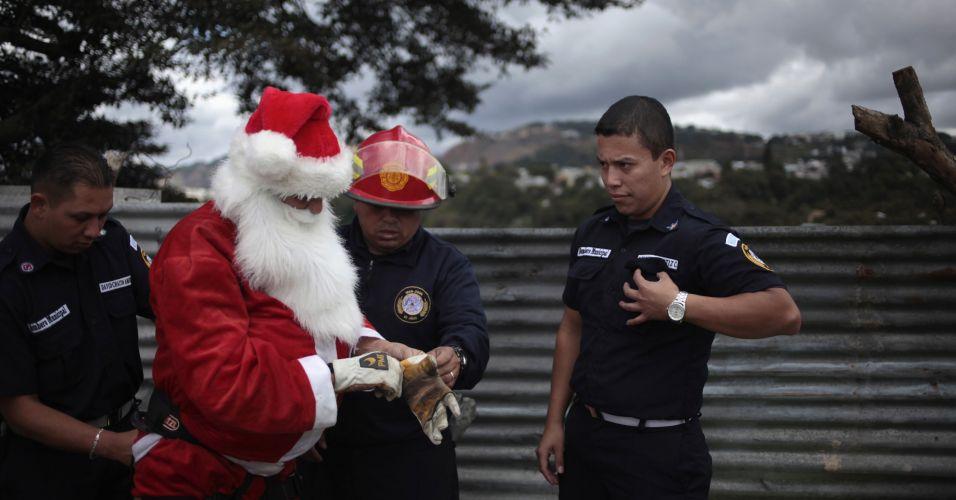Bombeiro Papai Noel