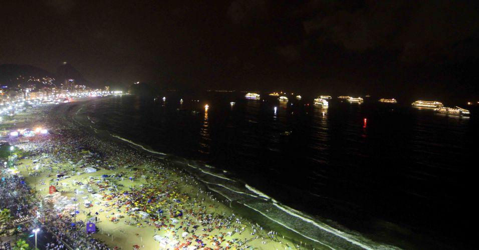 Transatlânticos na orla de Copacabana