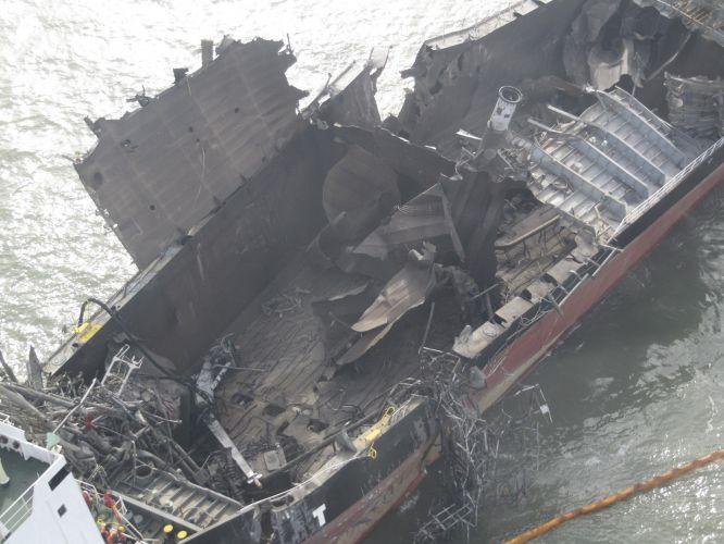 Explosão em petroleiro