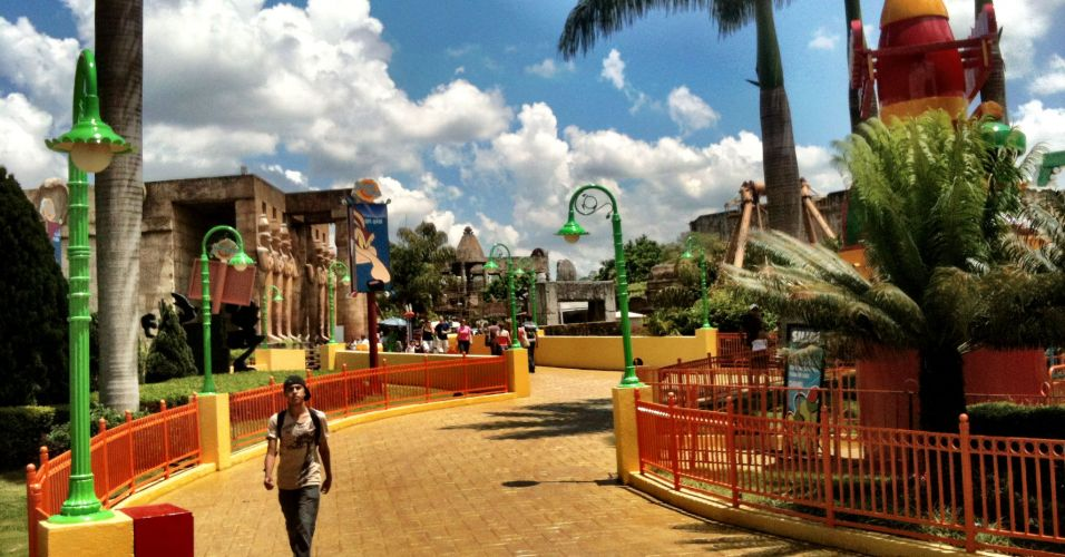 Parque reabre ap&oacute;s acidente
