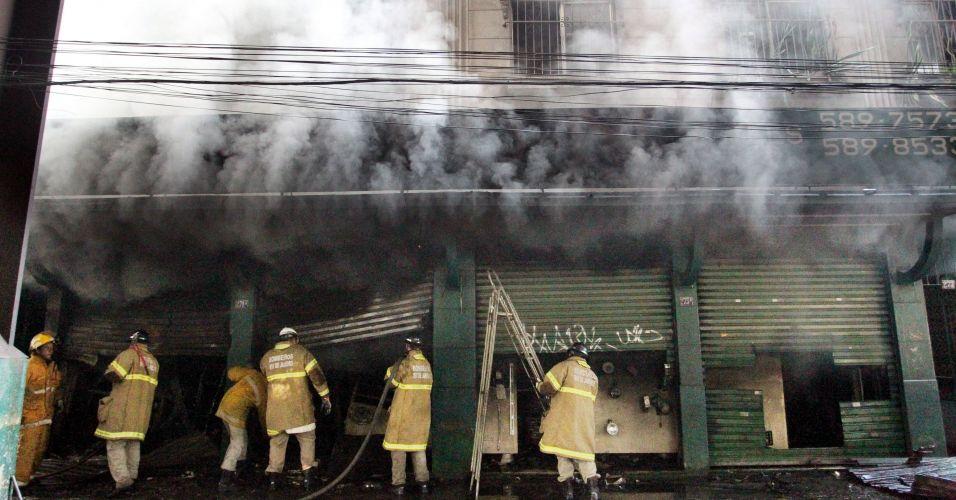Incêndio em loja