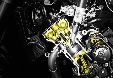 Lubrificação de motos requer cuidado específico; siga sempre o manual
