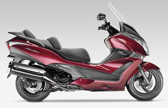Honda aposta em praticidade e segurança com scooter SW-T ...